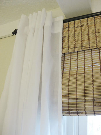 curtain-and-bamboo-roman-shade-detail-photo