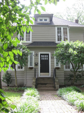 front-door-curb-appeal-charming-house