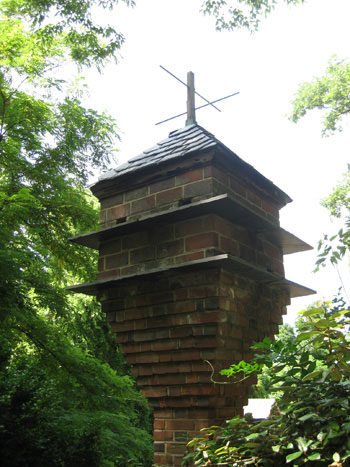 brick-birdhouse-stonypoint