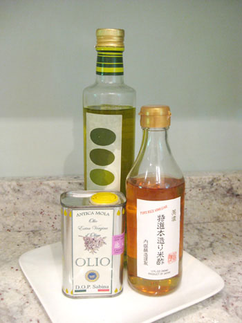 olive-oil-coutertop-storage