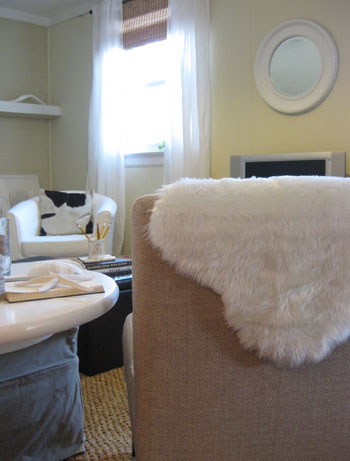 So Thatu0027s Our Second Faux Sheepskin DIY Tutorial For Ya. It Really Was As  Simple As Hunting Down Some Wooly White Fabric (or Even A White Furry  Blanket If ...