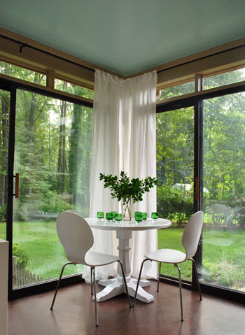 How to hang corner curtain rods painting the ceiling for Sunroom curtains