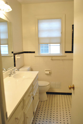 Lovely Here us the hall bath that us back near the other three bedrooms We love that it us so similar to the original full bath in our old house and the tile is