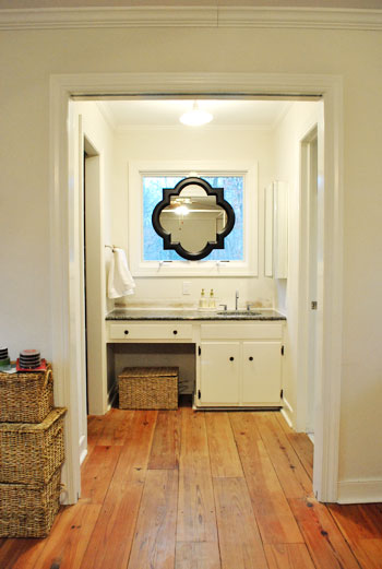 Bathroom ideas on pinterest attic bathroom bathroom and for Bathroom in middle of house