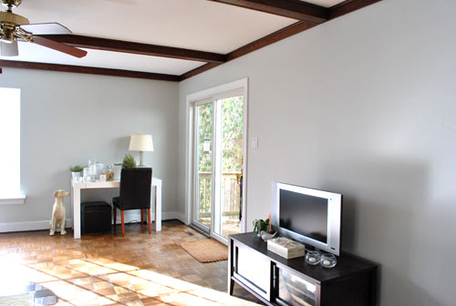 Huzzah We Painted The Wood Trim In Our Living Room Young House Love