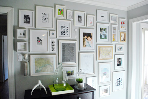 using paper templates to create a giant wall to wall frame gallery
