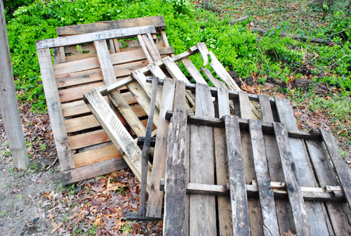 Was To Build A Rustic Weathered Looking Top Out Of Some Old Pallets Left In Our Yard By The Previous Owners Spotted Background This Post