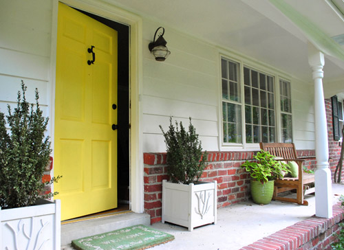 Isn\u0027t our porch happier without the old broken maroon screen door + dark hidden front door combo? & How To Paint Your Front Door | Young House Love Pezcame.Com