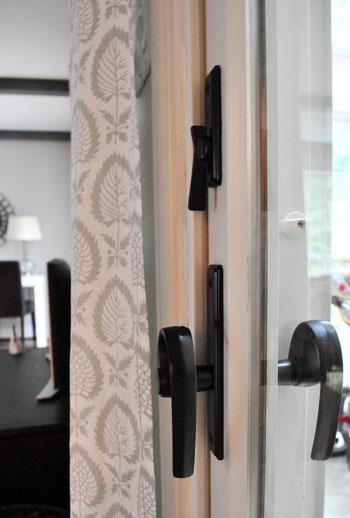 Updating old brass hardware handles with spray paint - How to clean exterior brass door handles ...