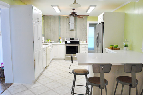 paint kitchen cabinets closer after