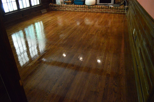 Granted it still had to dry a bit in that shot above, but the comparison  between the Bona stuff and the Rejuvenate stuff definitely left us liking  ... - How To Clean, Gloss Up, And Seal Dull Old Hardwood Floors Young