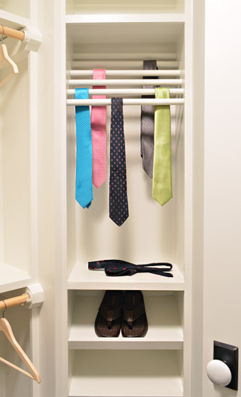 Shcloset ties