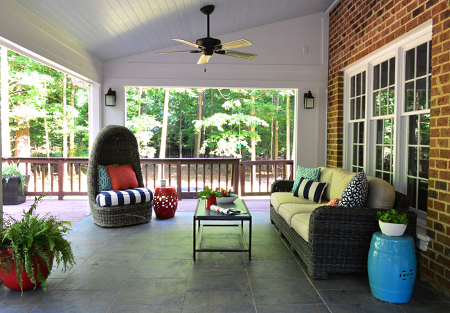 red white and blue outdoor decor on back porch