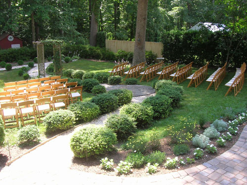 Mansion Backyard Wedding :  backyard wedding was the bee?s knees (and of course we saved some