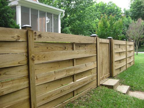 modern-charming-woven-fence-horizontal-tin-caps