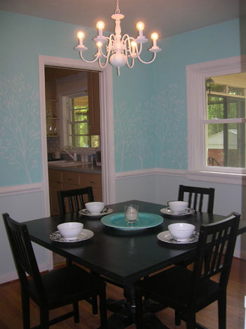 old-chalk-painted-dining-room