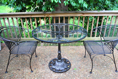 Spray Painting A Metal Outdoor Table Chairs With Oil Rubbed Bronze Young House Love
