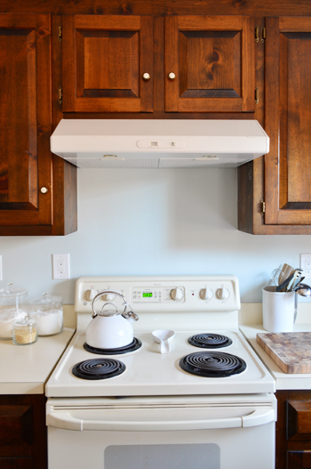 Hanging Microwave With A Range Hood